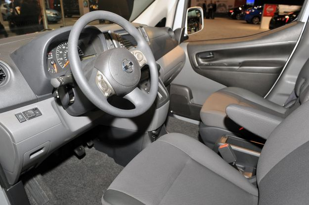 12 2013 nissan nv200 chicago