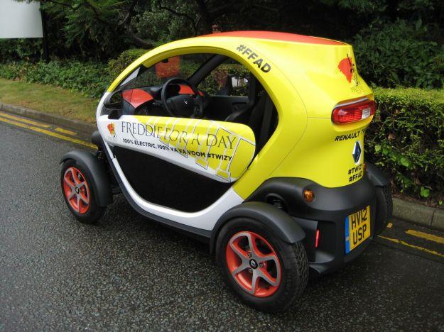 Renault Twizy Freddie Mercury Edition-fiancata