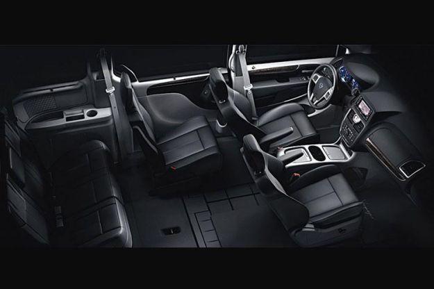 Lancia Voyager interni