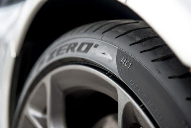 6122 pneumatici pirelli zero con marcatura mclaren2