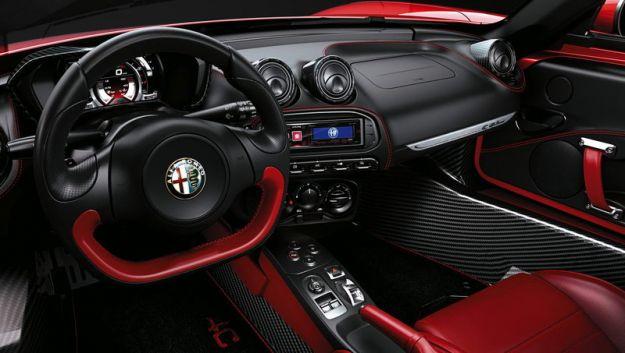 Alfa Romeo 4C Spider interni