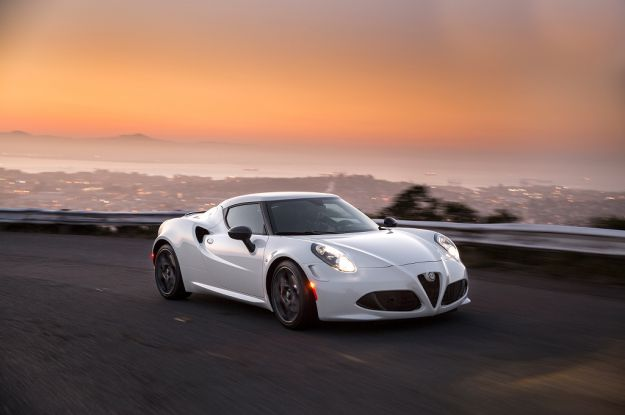 Alfa Romeo 4C bianca