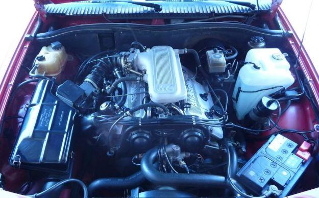 Alfa Romeo 75 3.0 V6 motore