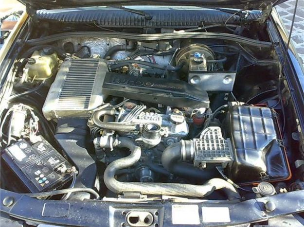 Alfa Romeo 75 Turbo America motore