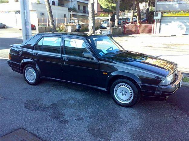 Alfa Romeo 75 Turbo America nera