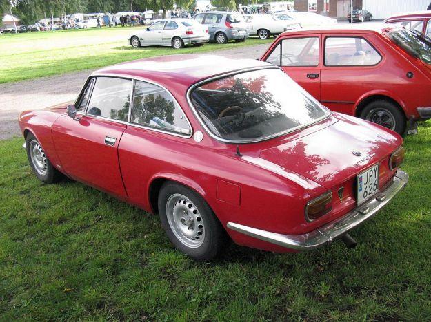 Alfa Romeo Giulia GT Junior posteriore