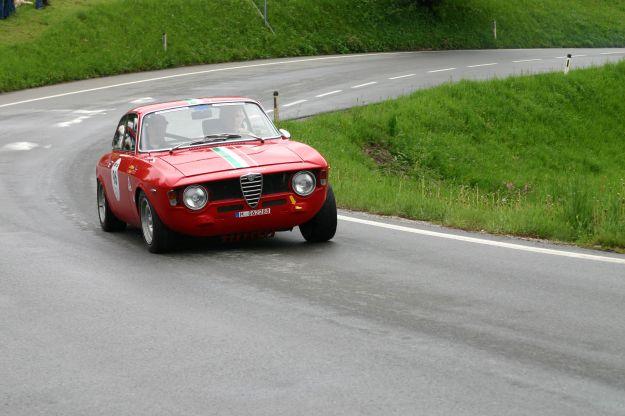 Alfa Romeo Giulia GT competizione su strada