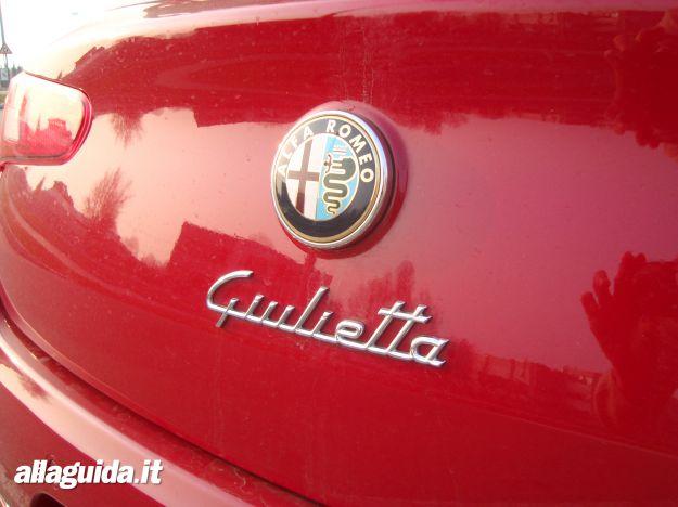 Alfa Romeo Giulietta TCT logo posteriore