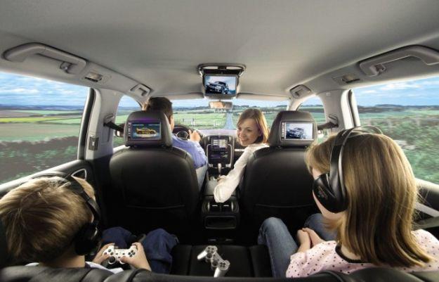 Ascoltare musica in auto