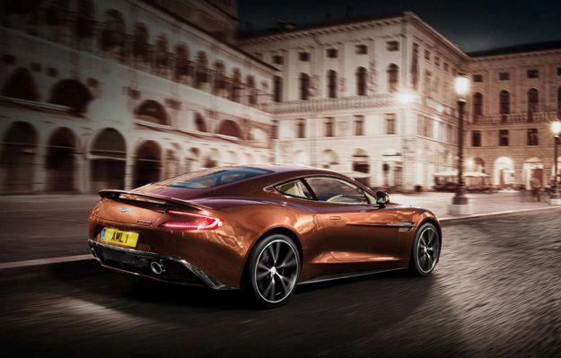 Aston Martin 2012 posteriore