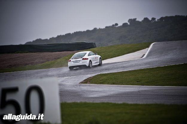 Audi A3 sul circuito Ascari