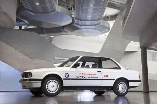 BMW 325iX Electric laterale
