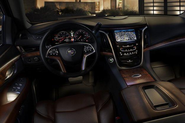 Cadillac Escalade 2015 interni e plancia