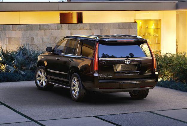 Cadillac Escalade 2015 retro della vettura