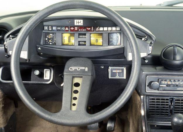 Citroen CX 2400 GTi plancia