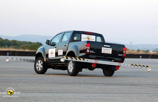 Crash test 2012 Isuzu D Max protezione ribaltamento