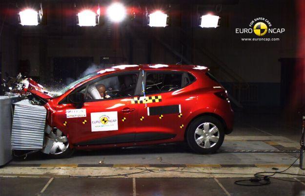 Crash test 2012 Renault Clio protezione frontale