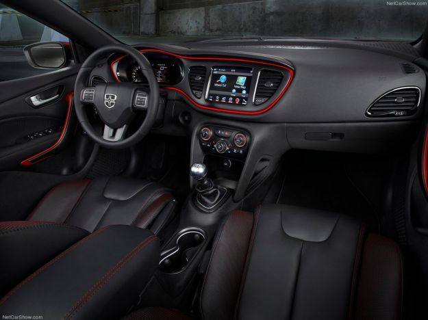 Dodge Dart 2013 interni