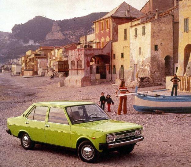 Fiat 131 prima serie verde