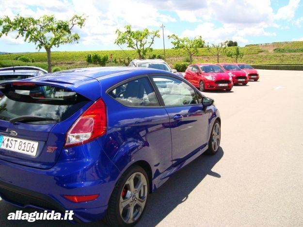 Ford Fiesta ST 2013 blu e rossa