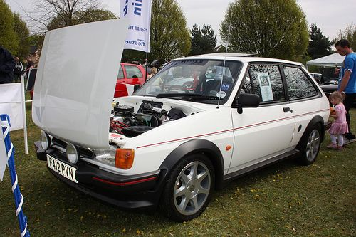 Ford Fiesta xr2 cofano