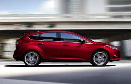 Ford Focus avviata produzione fiancata