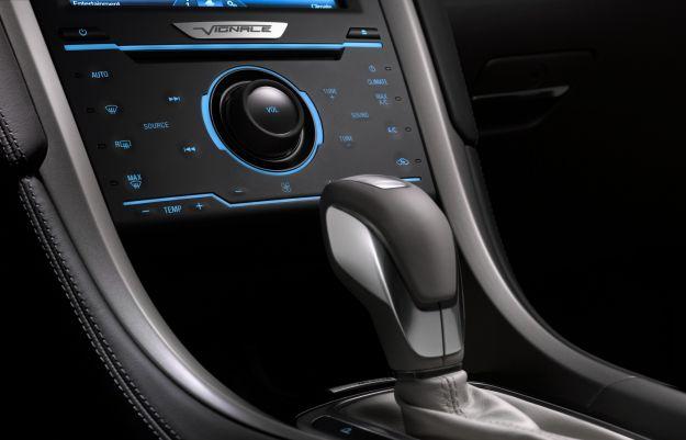 Ford Mondeo Vignale berlina, plancia e cambio