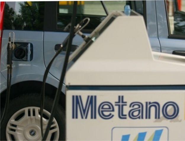 Foto rifornimento metano