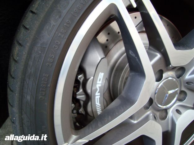 Freni Mercedes CLS 63 AMG Shooting Brake