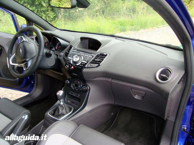 Interni Ford Fiesta ST 2013