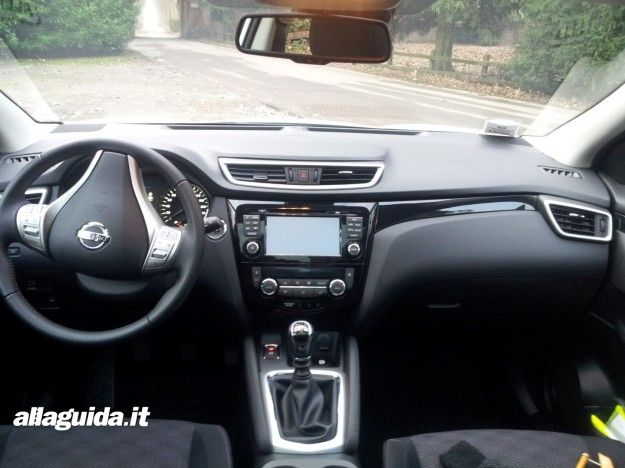 Interni  Nissan Qashqai 2015