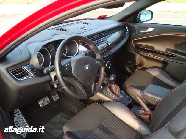 Interni dell'Alfa Romeo Giulietta TCT