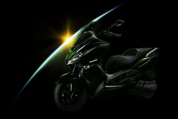 Kawasaki j300, lo scooter (3)