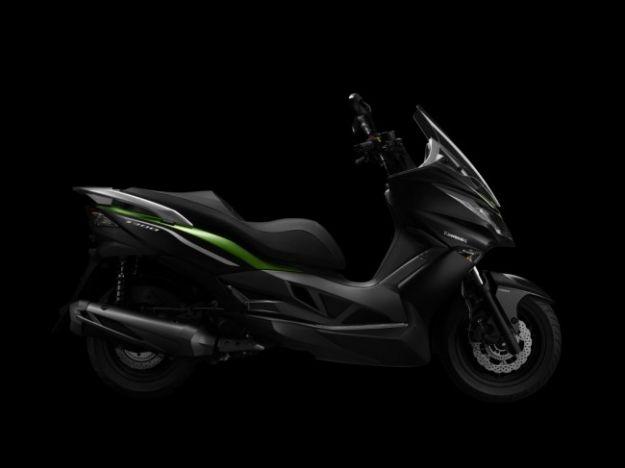Kawasaki j300, lo scooter (4)