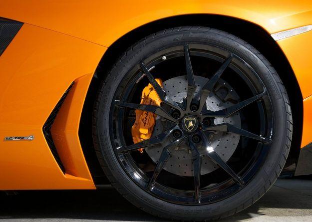 Lamborghini Aventador LP700 4 Roadster cerchi in lega