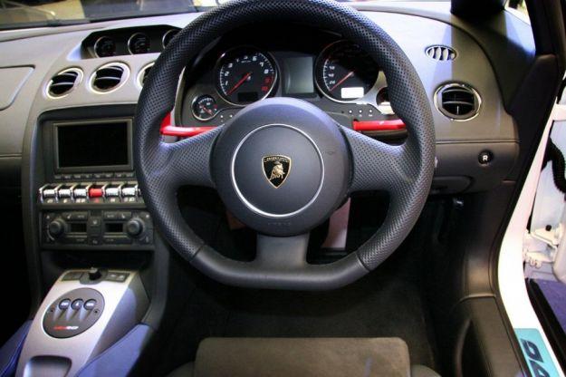 Lamborghini Gallardo Lp550 2 HK20, abitacolo