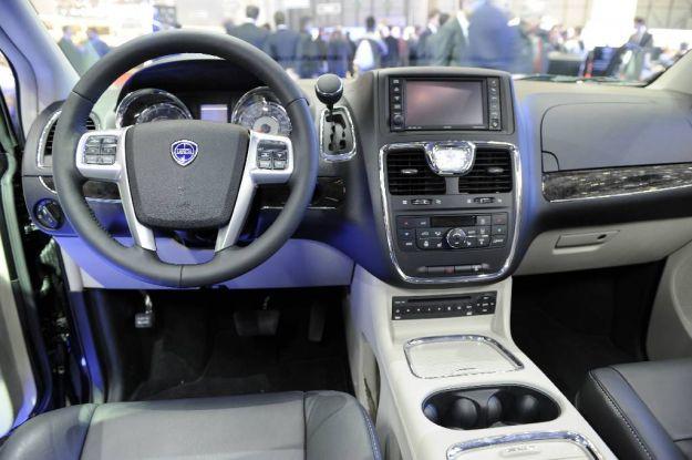 Lancia Voyager Platinum plancia
