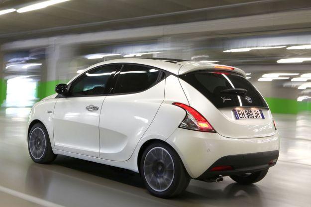 Lancia Ypsilon laterale posteriore sinistro