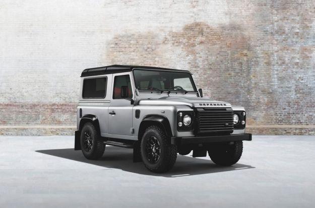 Land Rover Defender Black Pack al Salone di Ginevra 2014