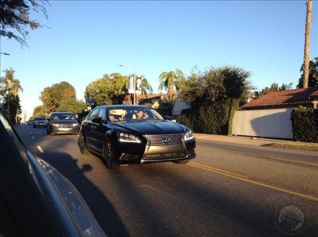 Lexus LS anteriore 2013