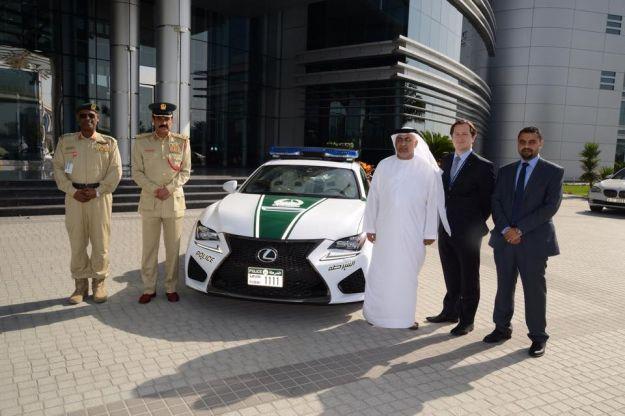Lexus RC F polizia Dubai
