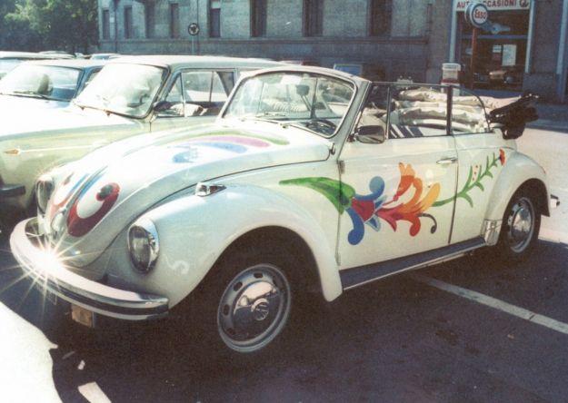 Maggiolino cabrio hippie