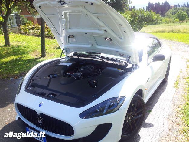 Maserati GranCabrio MC, motorizzazioni