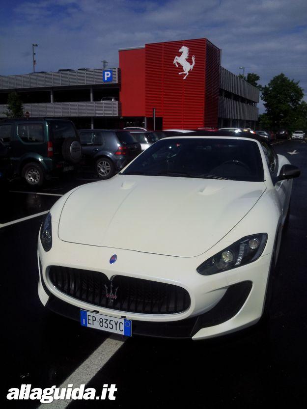 Maserati GranCabrio MC, prova su strada