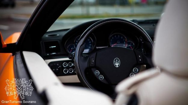 Maserati Grancabrio Sovrano DMC, volante