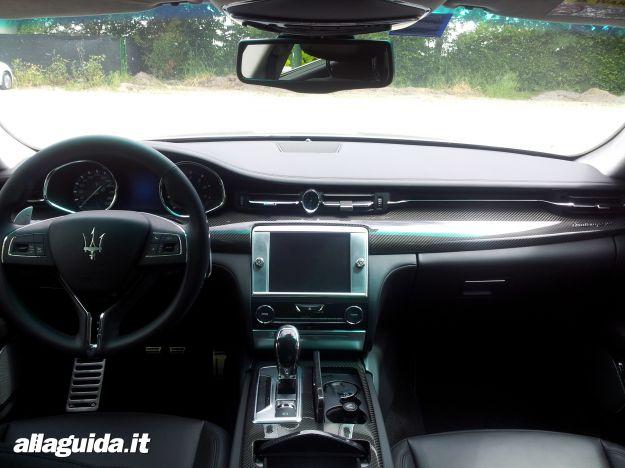 Maserati Quattroporte 2013, interni dela vettura