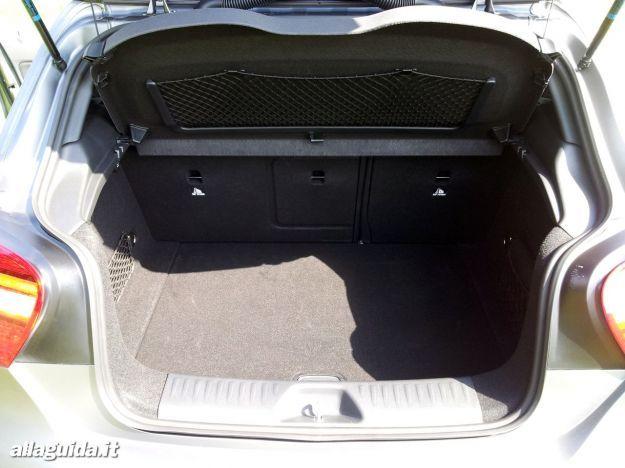 Mercedes A45 AMG bagagliaio