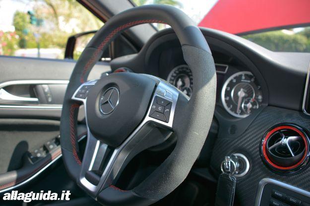 Mercedes A45 AMG volante