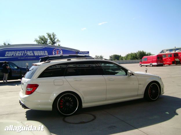 Mercedes C63 AMG Performance Station Wagon dimensioni