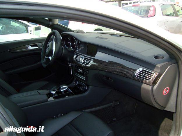 Mercedes CLS 63 AMG Performance Shooting Brake interni